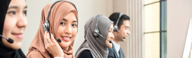muslim-woman-working-as-customer-service-operator-with-team-call-center_8087-2722